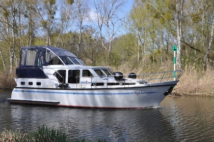 Hire Houseboat Pedro Skiron 35 Mildenberg
