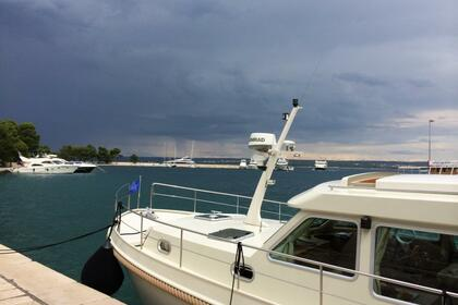 Rental Motorboat Linssen Grand Sturdy 40.9 Rovinj