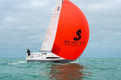 Rental Sailboat Beneteau Oceanis 30.1 Pomer