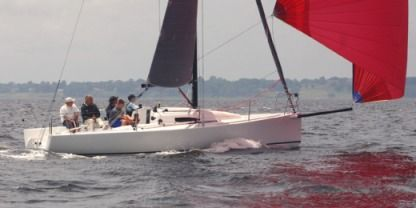 Rental Sailboat  J 88 La Rochelle