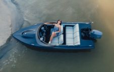 Motorboat Tiamat Boats Tiamat 440 for rental