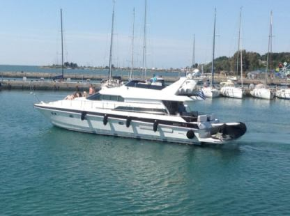 Charter Motorboat Mochi Craft 56 Fly Chalkidiki