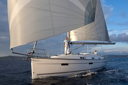 Rental Sailboat Bavaria 36 Cruiser Ca'n Pastilla
