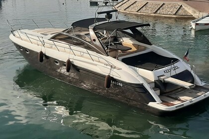 Location Yacht Princess V 55 Fréjus