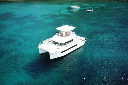 Charter Motorboat FOUNTAINE PAJOT MY37 Le Marin