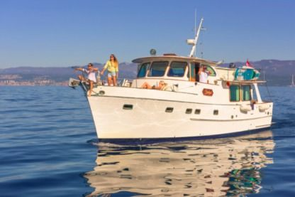 Rental Motorboat Grand Banks Alaskan Rijeka