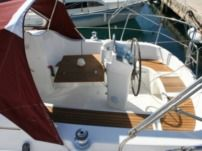 Sailboat Beneteau Oceanis 311 Cl