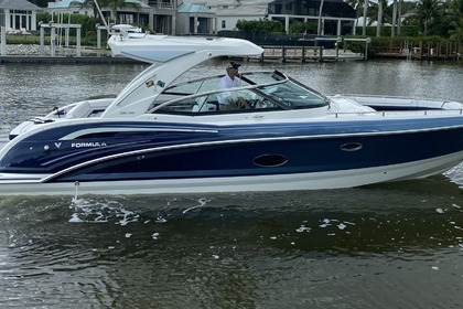 Rental Motorboat Custom 35 CBR FORMULA Naples