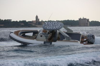 Location Semi-rigide Wimbi Boats W9 Grimaud
