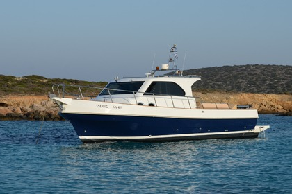Hire Motorboat JET CRAFT 35 Paros