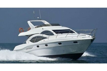 Rental Motorboat Majesty 50 Fly Athens