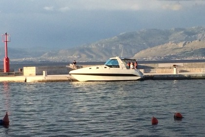 Charter Motorboat Elan Kiim 30 Hard Top Split