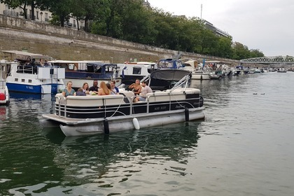 Rental Motorboat Smoker Craft Sun Chaser 7522 Paris