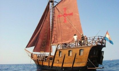 Charter Sailboat Pirate Ship Split