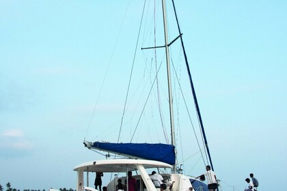 Hire Sailboat Robertson and Caine Leopard 43 Mirissa