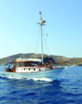 Sailboat Traditional Boat Wooden 38 for hire