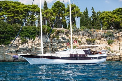 Hire Sailing yacht Special Traditional Gulet San Trogir