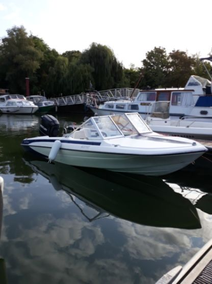 Rental Motorboat Glastron V162 Draveil