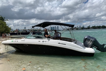 Rental Motorboat Hurricane SunDeck 2690 Miami Beach