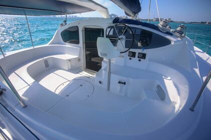 Rental Catamaran Fountaine Pajot Belize 43 Cancún