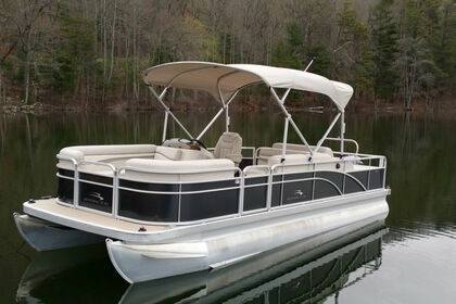 Hire Motorboat Bennington 22SSLX Northampton