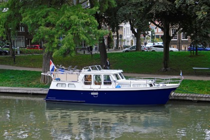 Hire Houseboat Hollandia Cruiser 1100 IJsselstein