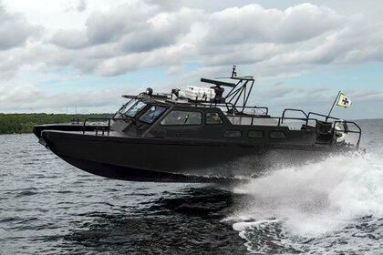 Hire Motorboat Combat Boat 90 Malmö