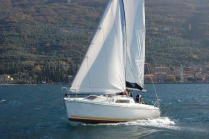 Charter Sailboat Jeanneau Sun Way 21 Castelletto