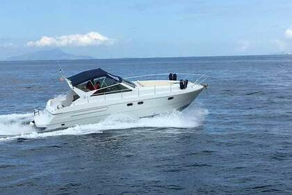 Hire Motorboat Raffaelli Typhoon D 37 Sorrento