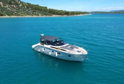 Rental Motorboat Bavaria Deep Blue 46 Šibenik