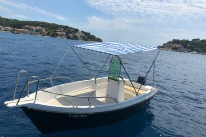 Charter Motorboat Reful Marine 490 Hvar