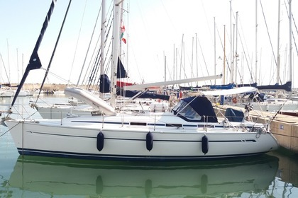 Rental Sailboat BAVARIA 36 CRUISER Le Lavandou
