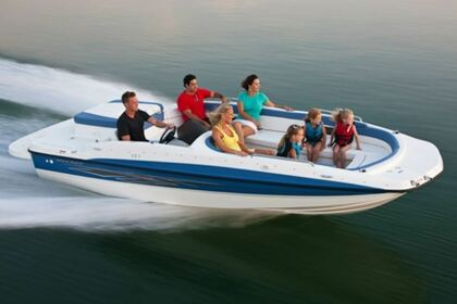 Hire Motorboat Bayliner 197 Deckboat Traverse City