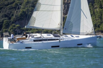 Hire Sailboat Dufour Yacht Dufour 430 GL Saint Thomas
