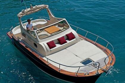 Hire Motorboat Maresca Sparviero 850 Sorrento