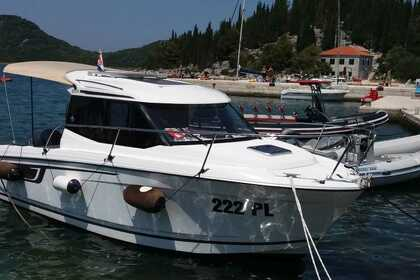 Аренда Моторная яхта Jeanneau Merry Fisher 695 Blace, Croatia