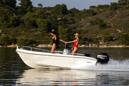 Hire Motorboat Thomas Boats Tempest 450 Chalkidiki