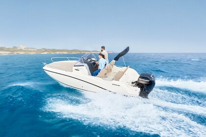 Hire Motorboat Quicksilver Activ 605 Open Fréjus