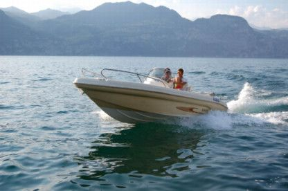 Rental Motorboat Ranieri Shark 19 Castelletto