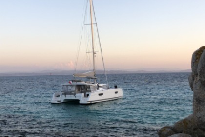 Rental Catamaran Fountaine Pajot Saona 47 Canet-en-Roussillon