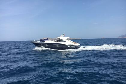 Rental Motorboat Pershing 37 Porto Cervo