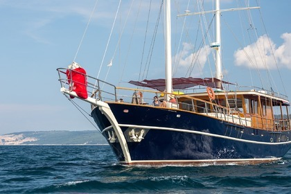 Location Yacht Custom Gulet Altair Split