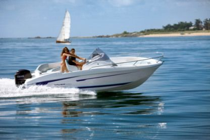 Rental Motorboat Beneteau Flyer 650 La Tremblade