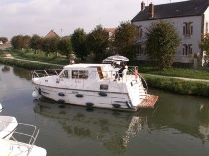 Rental Houseboat Les Canalous Aurore 33 Briare