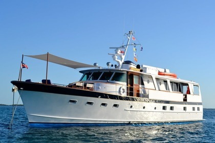 Hire Motorboat Burger cruiser Nassau
