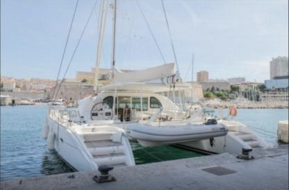 Location Catamaran Lagoon 570 Cannes