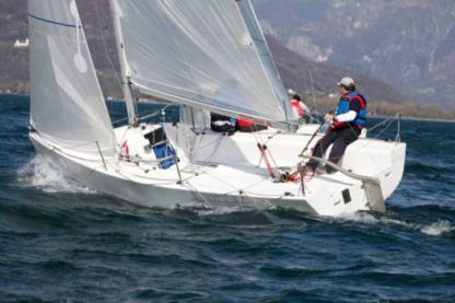 Charter Sailboat H22 One Design Domaso