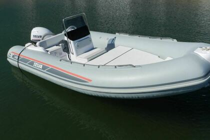 Hire Motorboat Selva Marine 470 L'Estartit