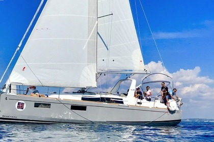 Rental Sailboat Beneteau Oceanis 35.1 del 2017 Gallipoli