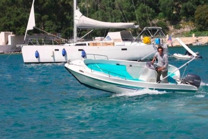 Charter Motorboat Assos Marine 500 Paxi